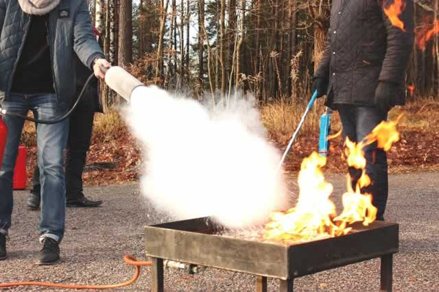 fire-extinguishers-co2-dry-chem